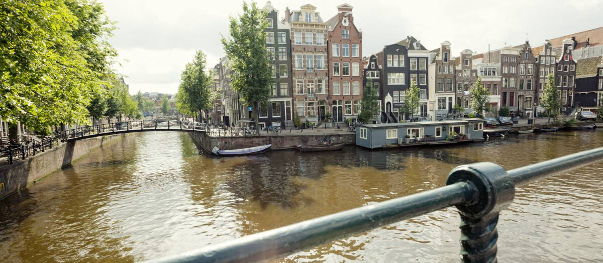 Serviced office space Amsterdam central location